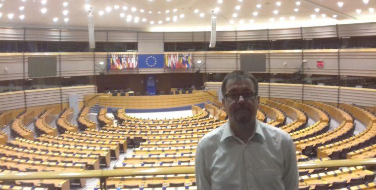 Los Servicios Jurídicos de USTEA se entrevistan con el Coordinador de IU en el Parlamento Europeo con objeto de reconocer el tiempo de servicio al personal docente interino
