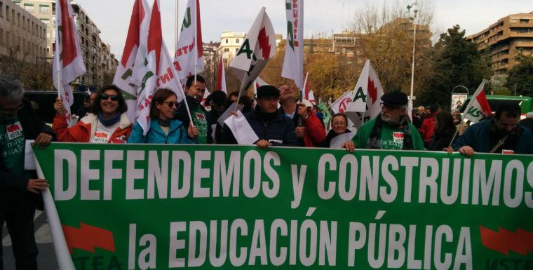 USTEA se opone frontalmente al cierre de unidades en la escuela pública
