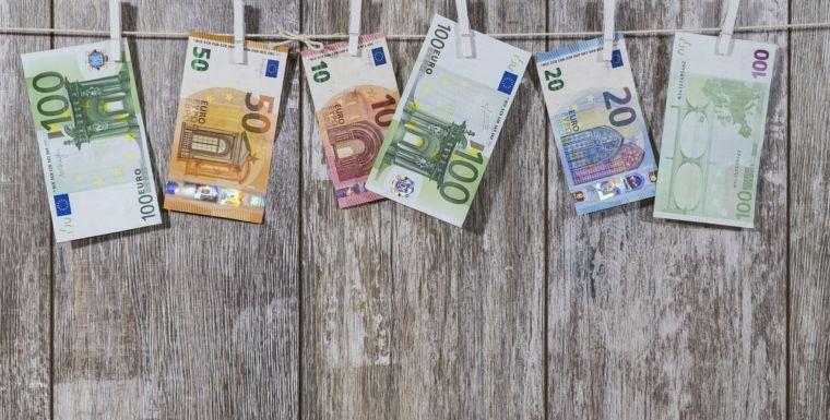 USTEA exige al gobierno andaluz que se incluya en los presupuestos la devolución de las pagas extra 2013 y 2014